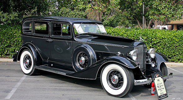 1933 Packard 1003 Super 8 Sedan