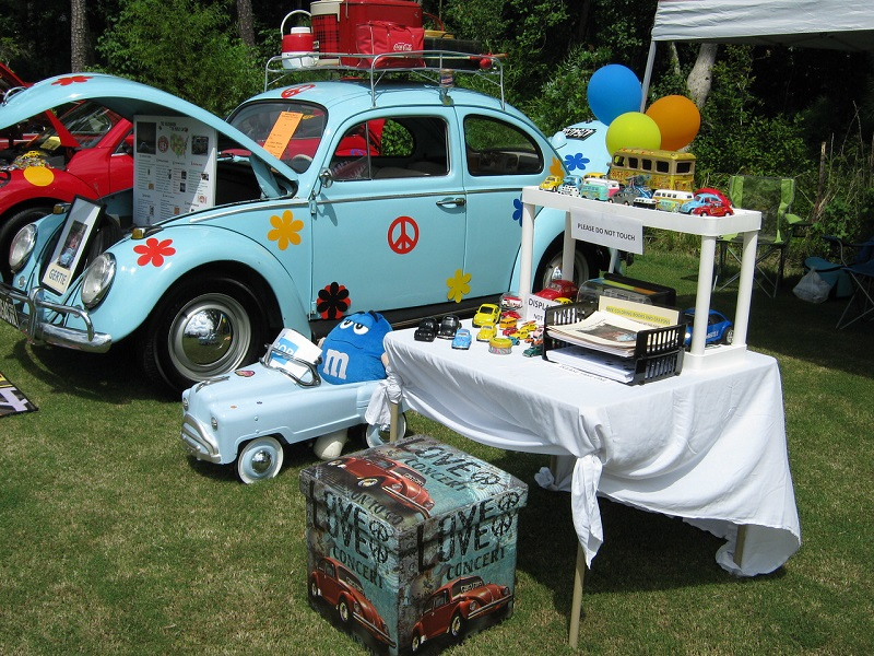Most Psychedelic Paint and Best Display Awards – '64 VW Beetle