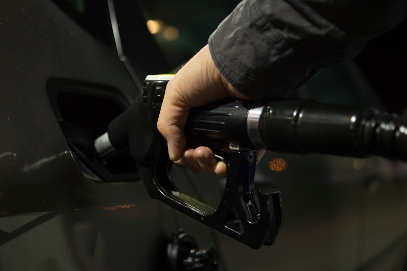Filling gas tank up