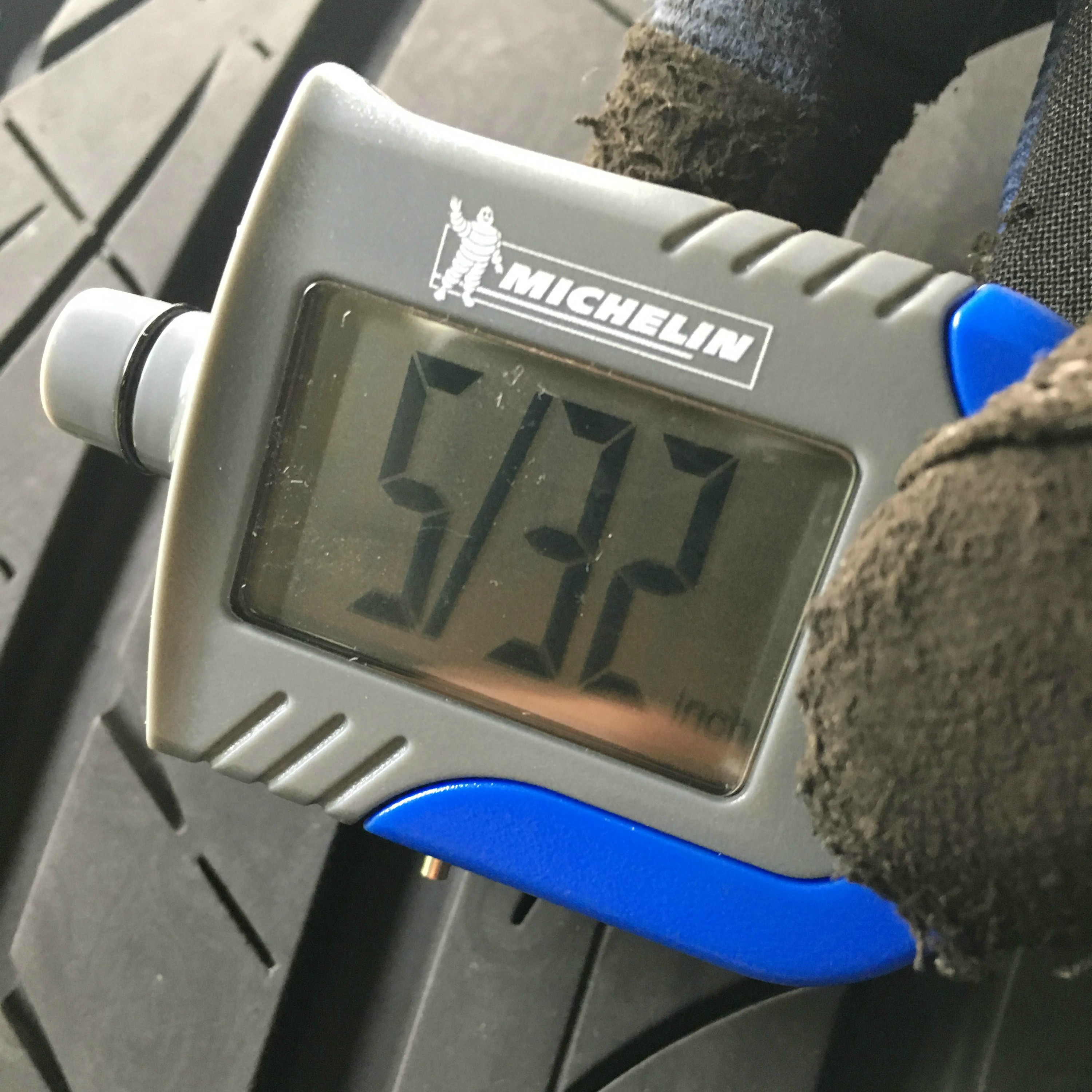 Tire tread depth tool