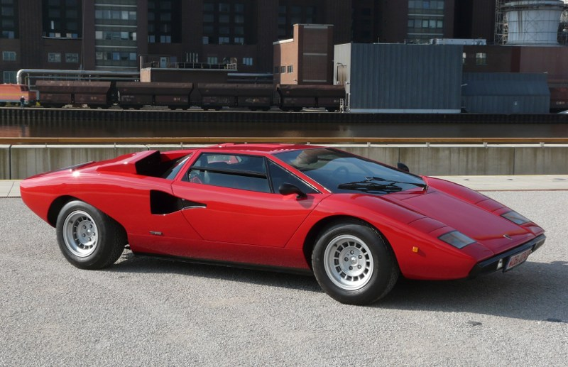 Cars We Love 1974 Lamborghini Countach Lp400 Tirebuyer Com Blog
