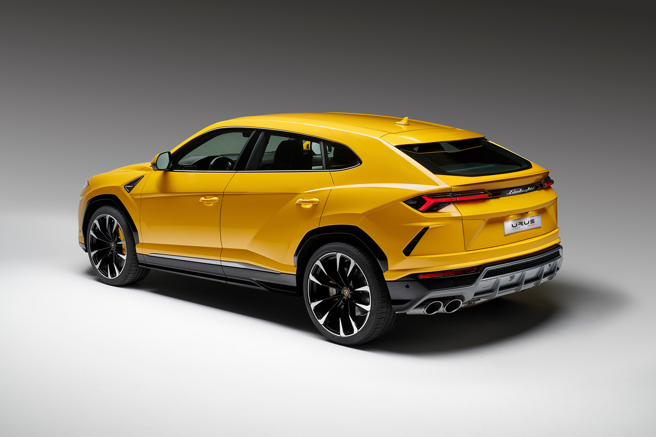 World S Fastest Suv The 2019 Lamborghini Urus Tirebuyer Com Blog