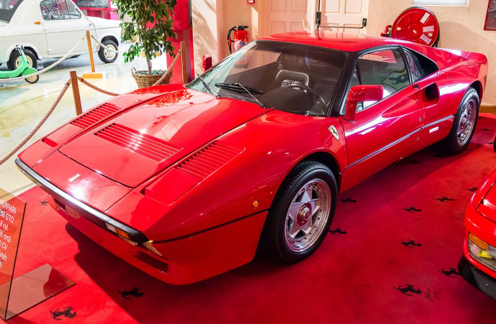 cars we love 1984 1986 ferrari 288 gto blog. Black Bedroom Furniture Sets. Home Design Ideas
